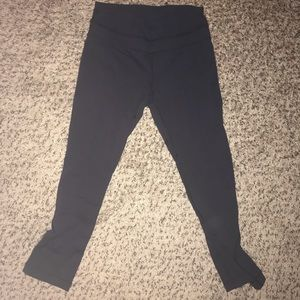 Cropped black Lululemon leggings